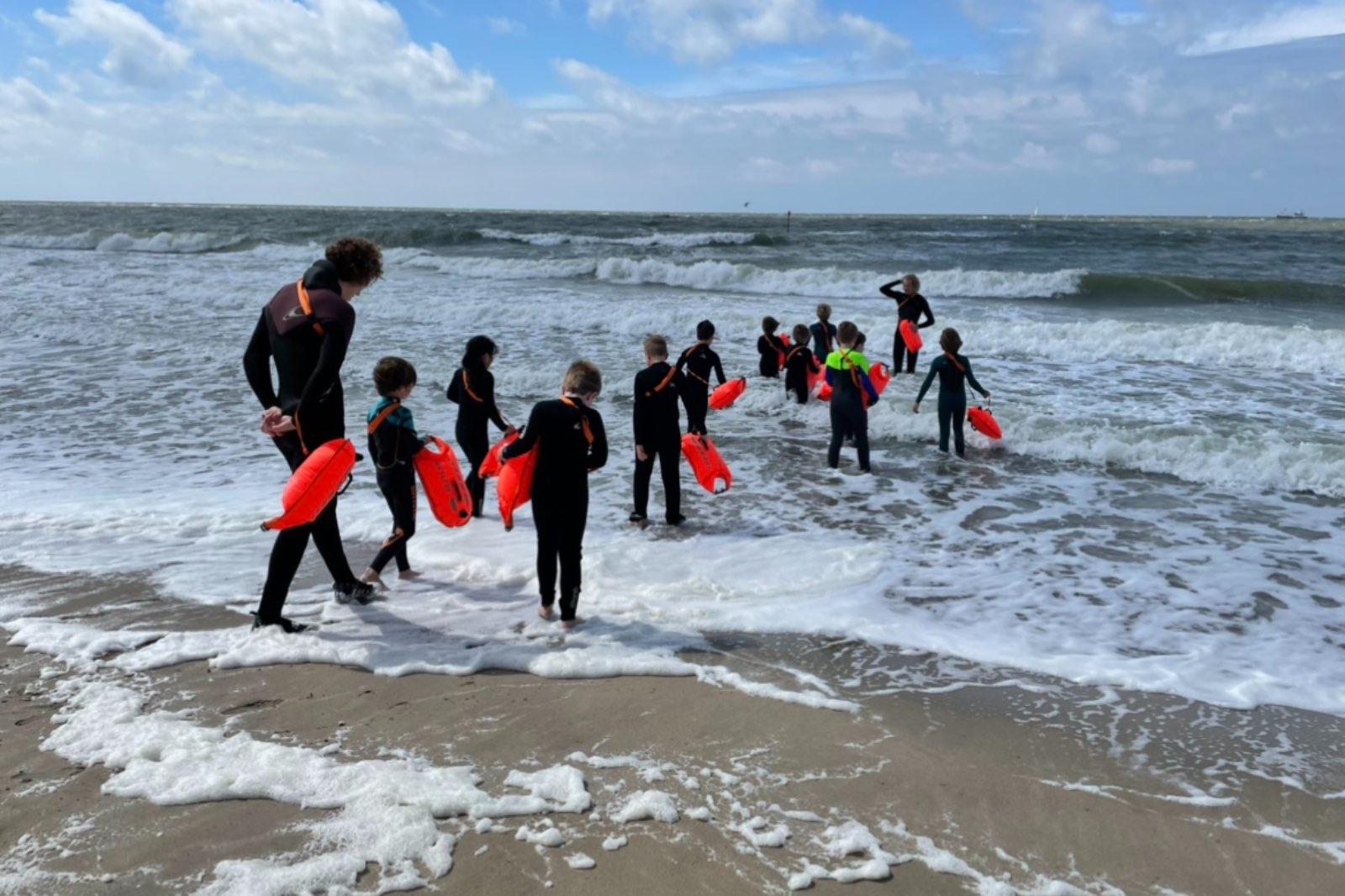 Zeezwemmen The Sand Company
